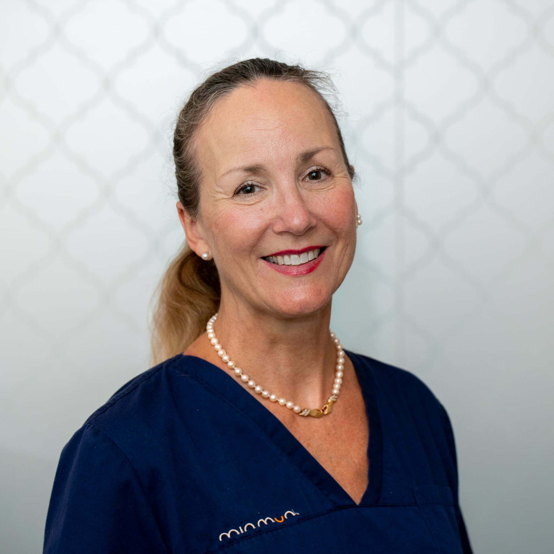 Odont Dr, specialist parodontologi Ann-Marie Roos Jansåker